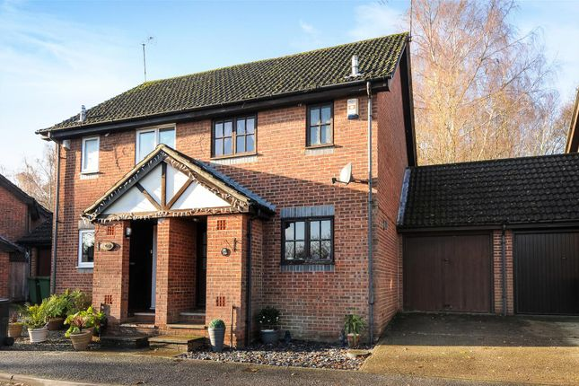2 bed property for sale in Goodlands Vale, Hedge End, Southampton