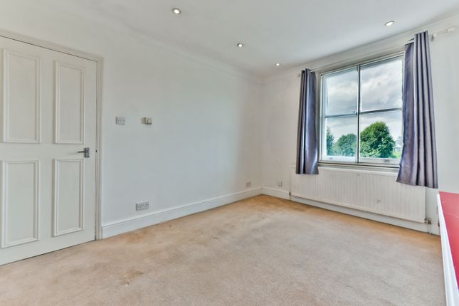 Thumbnail Flat for sale in East Hill, Wandsworth