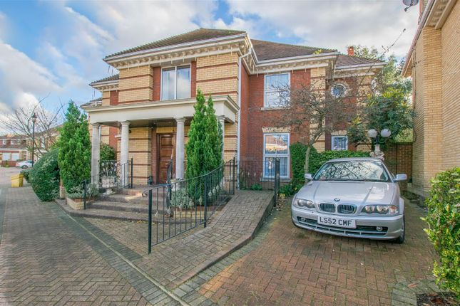 Thumbnail Detached house for sale in The Maples, Goffs Oak, Waltham Cross