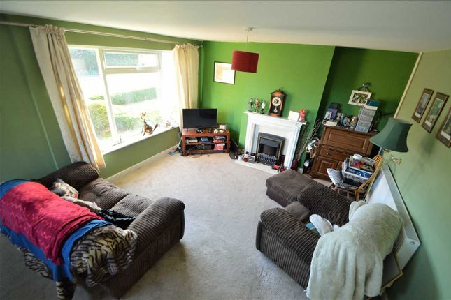 Living Room of Wolds Drive, Keyworth, Nottingham NG12