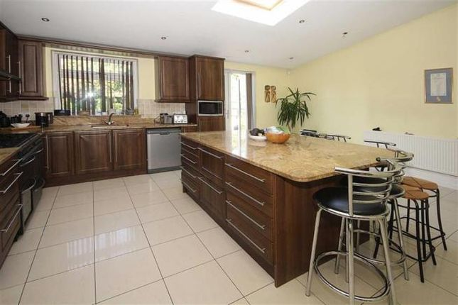 Thumbnail Semi-detached house to rent in Clifford Road, Hounslow
