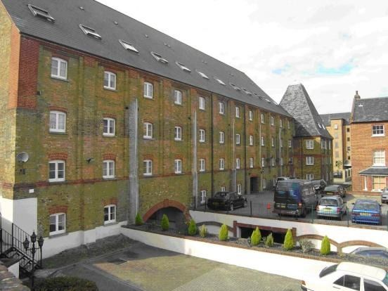 1 bed flat to rent in Clifton Road, Gravesend