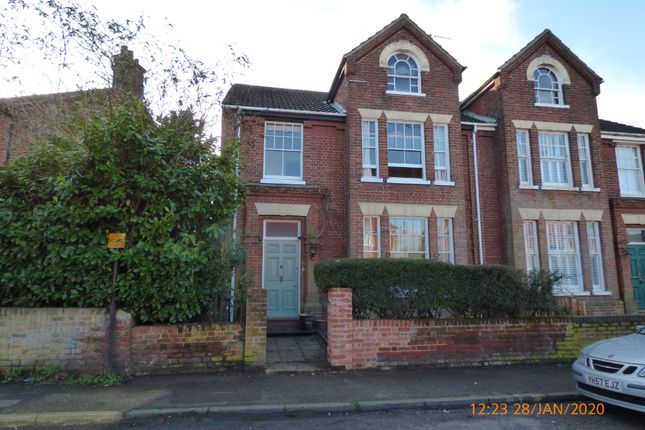 4 bed end terrace house to rent in Grove Road, Beccles NR34
