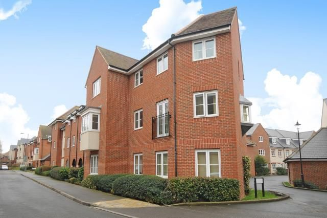 Thumbnail Flat for sale in Thames View, Abingdon Town