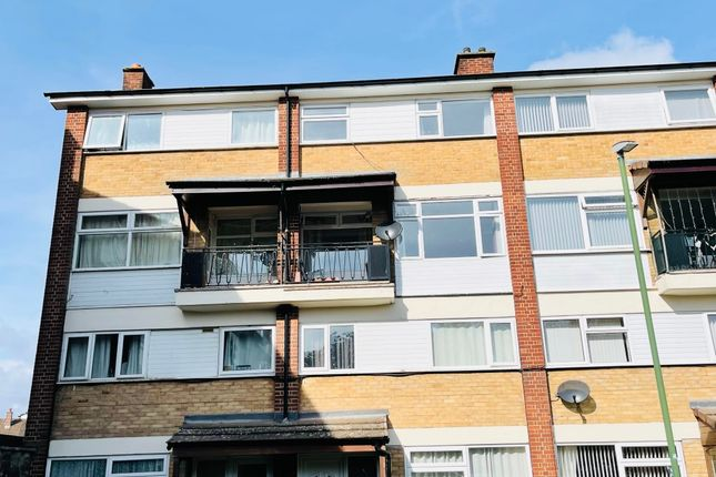 3 bed maisonette to rent in Lambscote Close, Shirley, Solihull B90