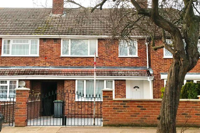 3 bedroom property to rent in Aylesbury Road, Bedford