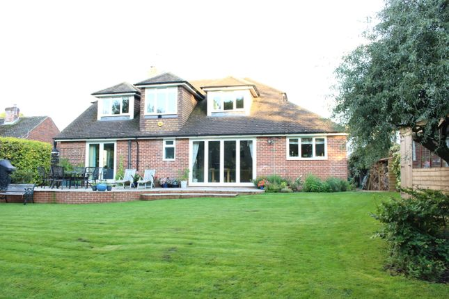 Thumbnail Detached house for sale in Wantage Road, Great Shefford