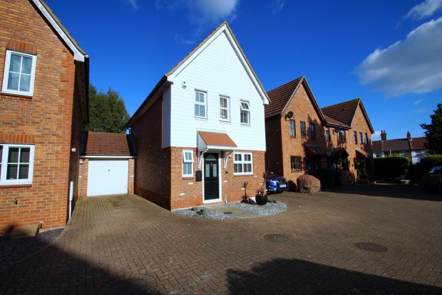 3 bed property to rent in Oxborrow Close, Kirby Cross, Frinton-On-Sea CO13