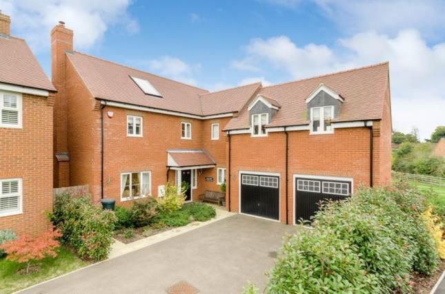 5 bed detached house for sale in Rogers Lane, Buckingham