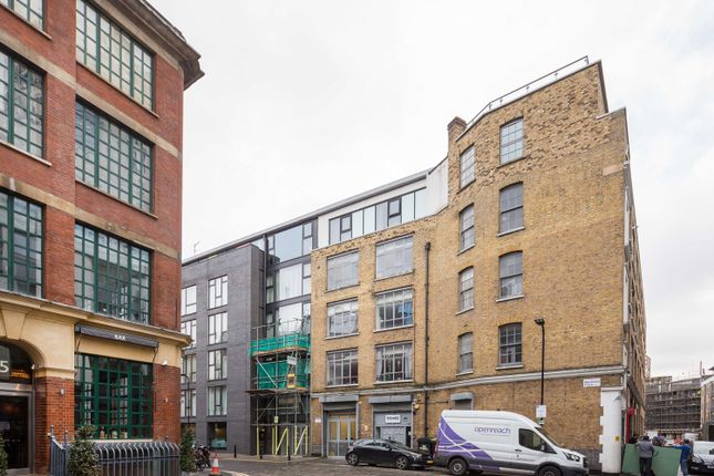 Office to let in Westland Place, London