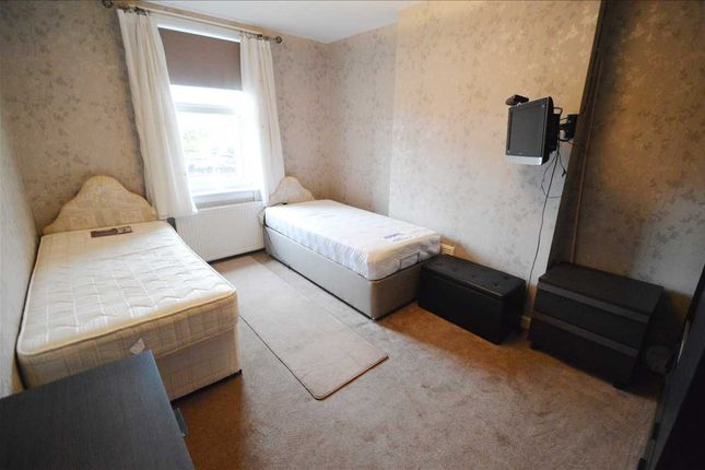 Bedroom 1 of Wallace Place, Blantyre, Glasgow G72