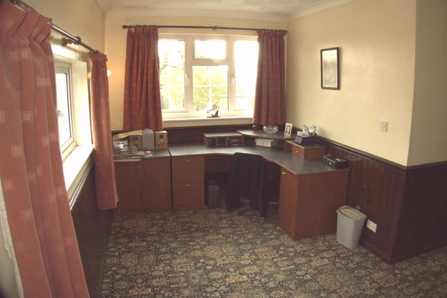Property For Sale In Listers Road Upwell