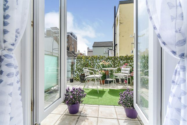 4 bed maisonette for sale in Victoria Terrace, Hove BN3