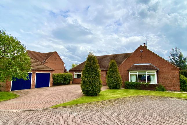 3 bed detached bungalow for sale in The Pastures, Long Bennington, Newark NG23