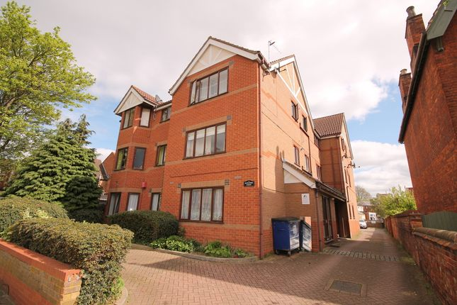 1 bed flat for sale in Alexandra Court, 49 Conduit Road, Bedford