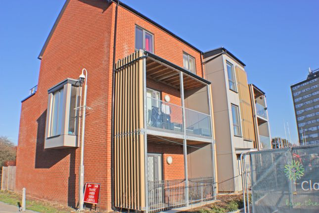 Thumbnail Flat to rent in Claybury Mews, Essex