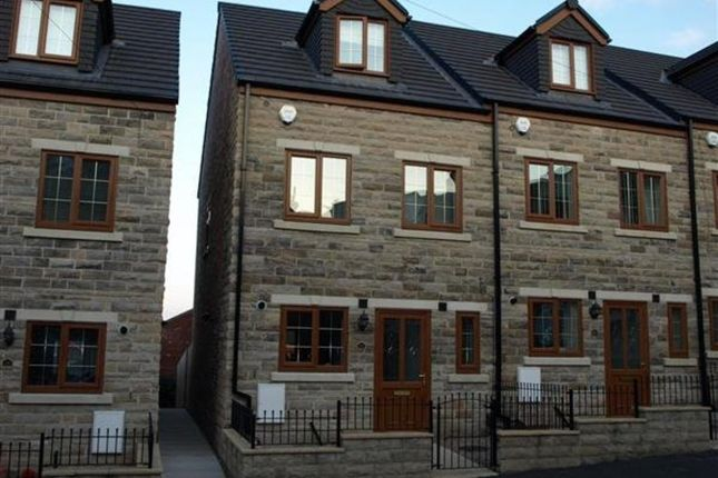Thumbnail Town house to rent in Beckett Street, Barnsley