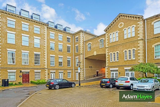 Thumbnail Flat for sale in Royal Drive, Friern Barnet