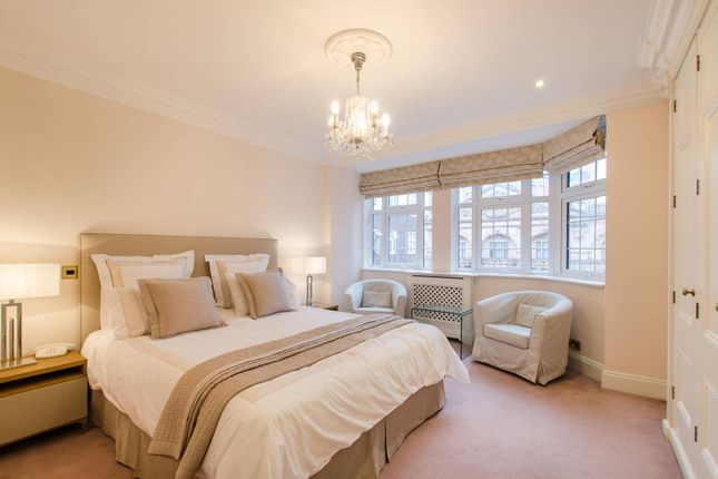 Thumbnail Flat for sale in Princes Court, Brompton Road, Knightsbridge, London