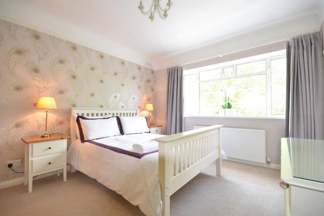 Thumbnail Flat to rent in Claremont Road, Surbiton