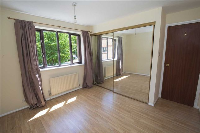 Flat for sale in Burnham Gardens, Addiscombe, Croydon