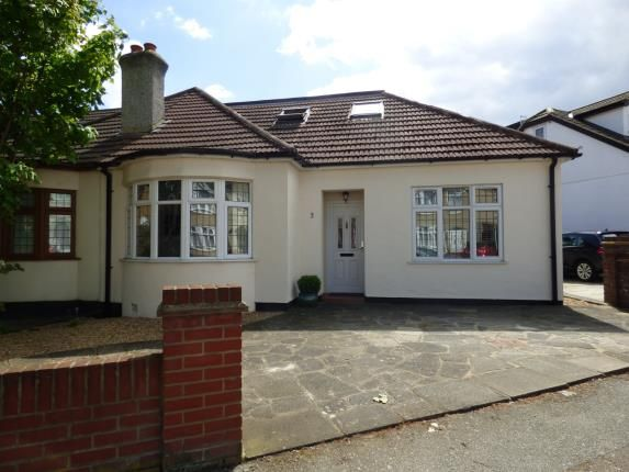 Thumbnail Bungalow for sale in Aldborough Road, Upminster