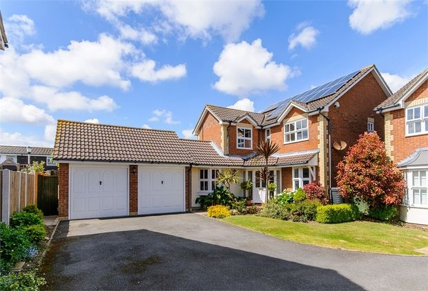 Thumbnail Detached house for sale in Cliffside Drive, Broadstairs