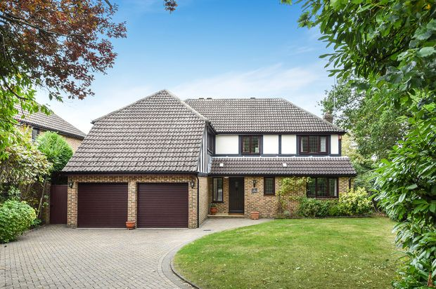 Thumbnail Detached house for sale in Ridgway, Woking