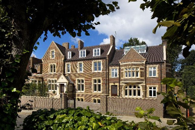 Thumbnail Flat for sale in Netherhall Gardens, Hampstead