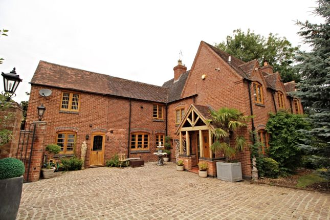 The Property of Cedar Tree Close, Stourport-On-Severn DY13