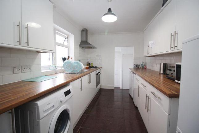 Kitchen of Beecham Road, Reading RG30