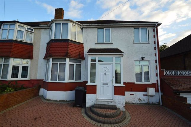 4 bed semi-detached house to rent in Ripon Gardens, Ilford, Essex IG1