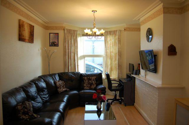 Lounge of Wycliffe Road, Abington, Northampton NN1