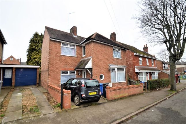 Thumbnail Detached house to rent in St. Peters Avenue, Kettering