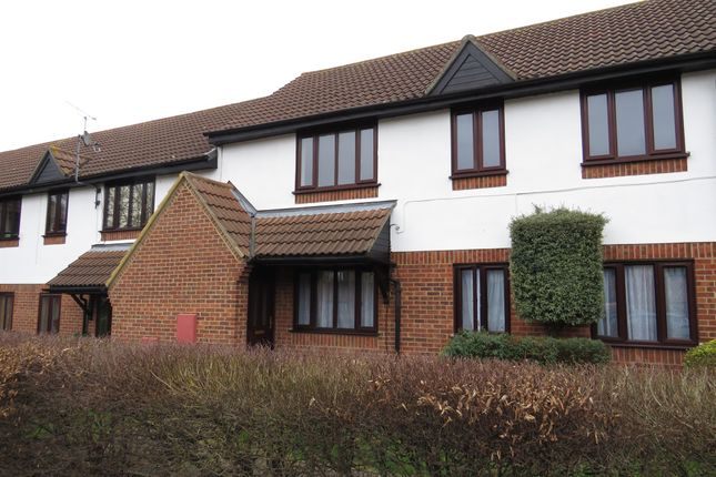 Thumbnail Flat for sale in Copperfields, Laindon, Basildon