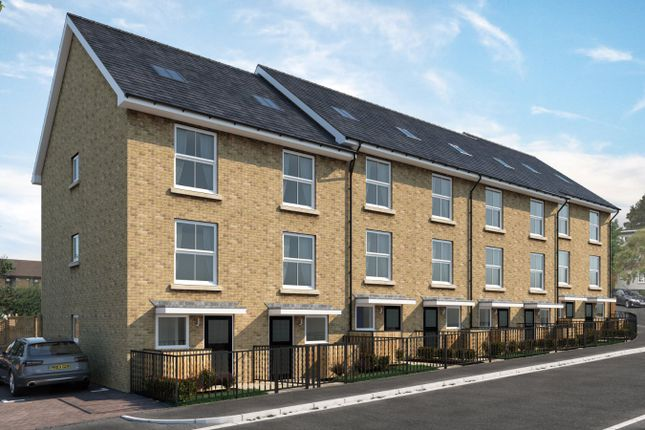 Thumbnail Town house for sale in Cobden Terrace, Rochester, Kent