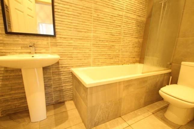 Bathroom of 2190 Dumbarton Road, Yoker, Glasgow G14