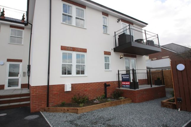 Thumbnail Flat for sale in Aldermans Hill, Hockley