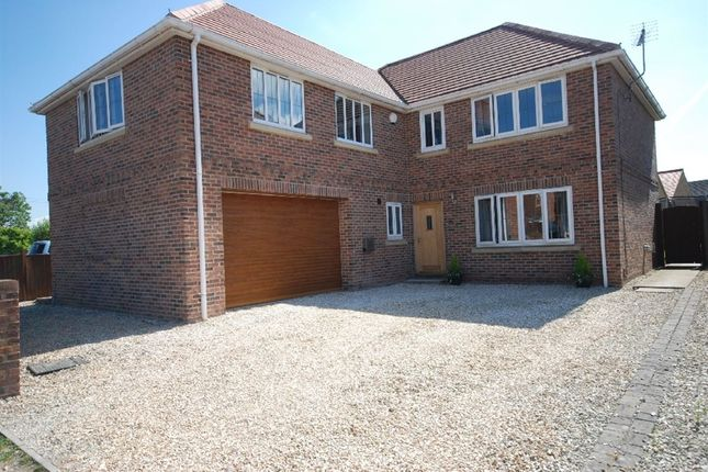 Thumbnail Property for sale in Battle Green, Epworth, Doncaster