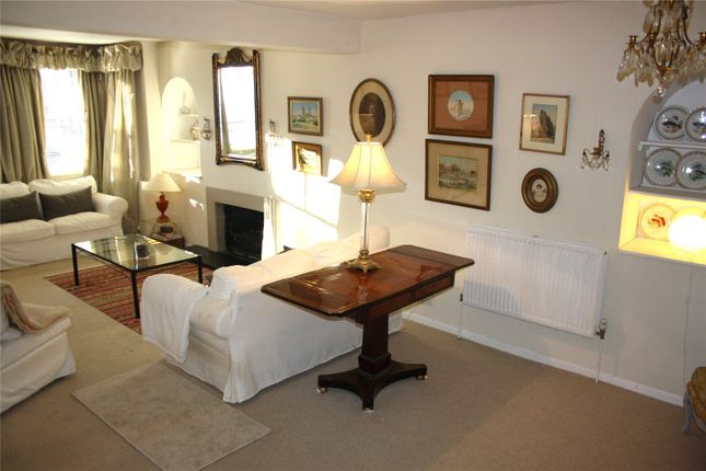 Living Room of Albert Road, Henley-On-Thames, Oxfordshire RG9