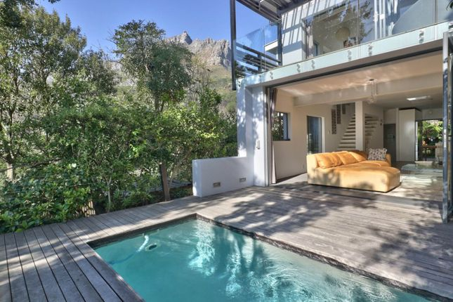 Thumbnail Apartment for sale in Higgovale, Cape Town, South Africa