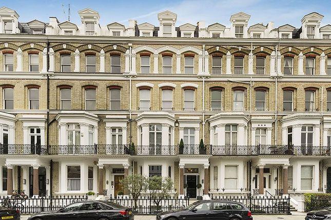 Thumbnail Terraced house for sale in Vicarage Gate, Kensington, London