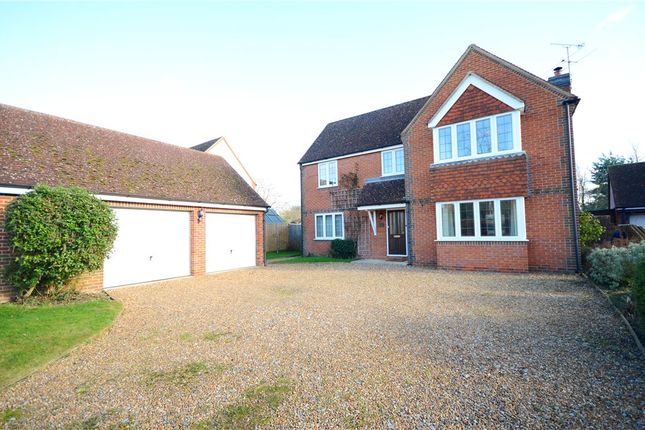 4 bed detached house for sale in Lucerne Drive, Stadhampton, Oxford