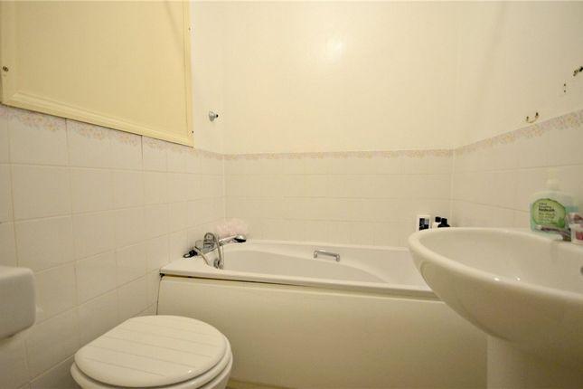 Bathroom of Rowe Court, Grovelands Road, Reading RG30