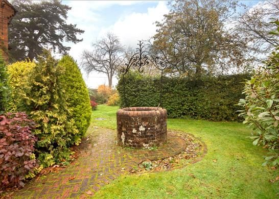 Hot190248_45 of Ibstone, High Wycombe, Buckinghamshire HP14