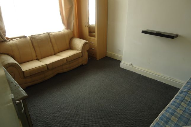 Thumbnail Terraced house to rent in Woodlands Street, Manchester