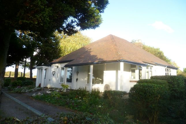 Thumbnail Bungalow to rent in Tamworth Road, Polesworth, Tamworth
