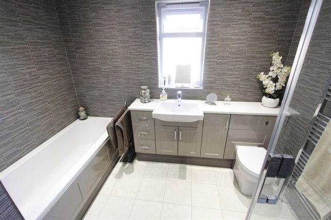 Bathroom of Fen Road, Pointon, Sleaford NG34