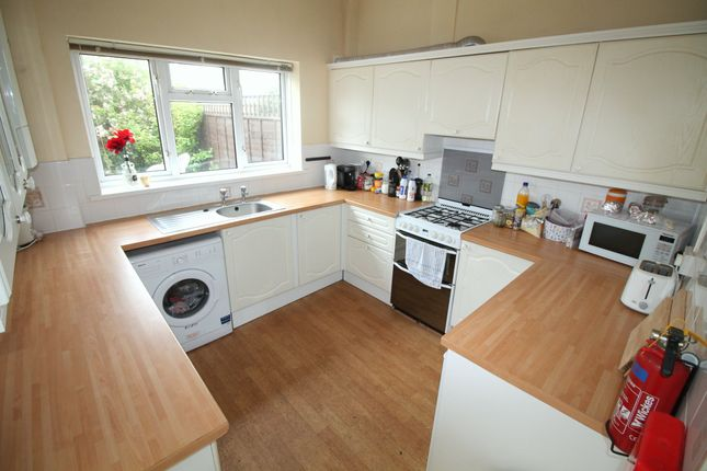 5 bed terraced house to rent in Donald Street, Roath, Cardiff CF24
