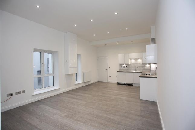 Thumbnail Flat to rent in Hatters Court, 9 King Street, Luton